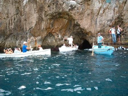 カプリ島_「青の洞窟」入口