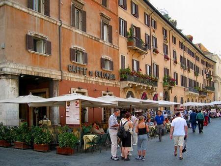ローマ_ナヴォーナ広場の風景