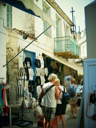 ギリシャ_エーゲ海ポロス島の家並み