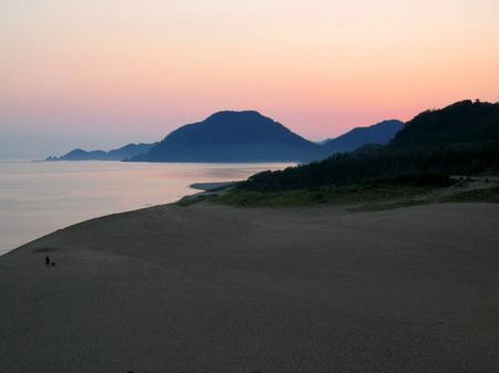 鳥取砂丘の朝焼け