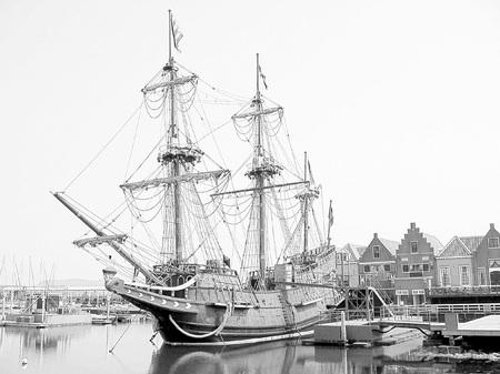 ハウステンボス_帆船デ・リーフデ(鉛筆画風)
