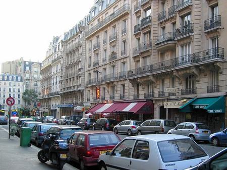 パリ12区の街角