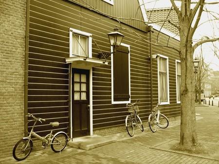 ハウステンボス_自転車のある風景(セピア)