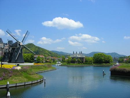 ハウステンボス_運河と風車の風景