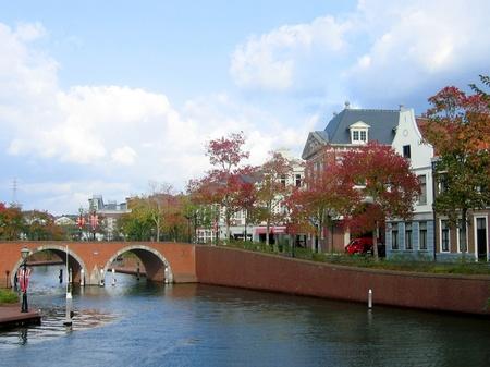 ハウステンボスの街並みとトールン橋