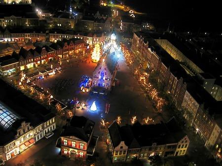 ハウステンボス_アレキサンダー広場の夜景(透明水彩風)