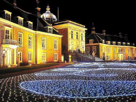 ハウステンボス_「新・光の宮殿」前庭(色鉛筆画風)