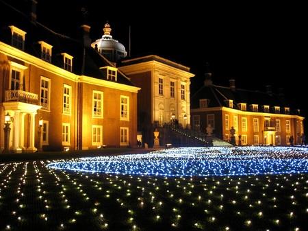 ハウステンボス_「新・光の宮殿」前庭