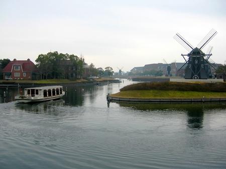 ハウステンボス_運河と風車
