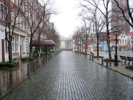 ハウステンボス_雨の降る街角