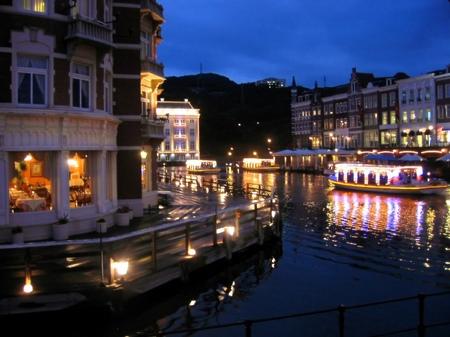 「光の街」ハウステンボス_ビネンハーフェンの夜景