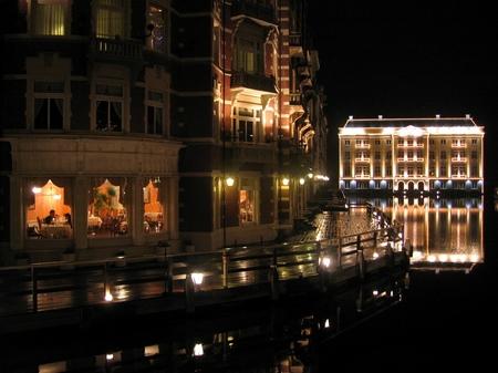 「光の街」ハウステンボス_「デ アドミラル」と迎賓館