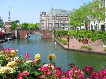 花と運河の街ハウステンボス