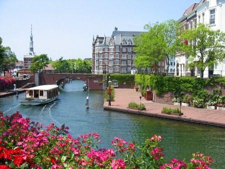 ハウステンボス_バラと運河と街の風景