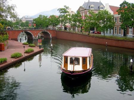 ハウステンボス_シンゲル運河のカナルクルーザー