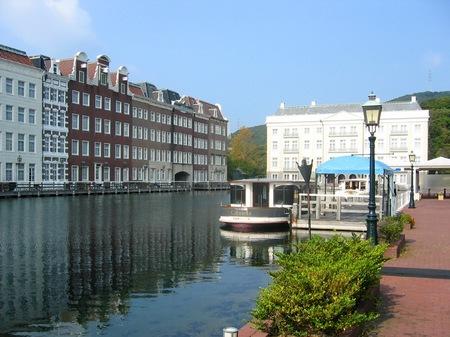 ハウステンボス_運河テラスから見るホテルヨーロッパ