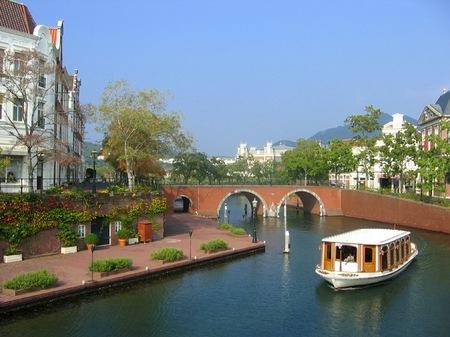 ハウステンボス_シンゲル橋から見る運河テラス