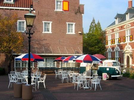 ハウステンボス_スキポール前のオープンカフェ
