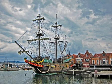 ハウステンボス_冬空の帆船デ・リーフデ(HDR風)