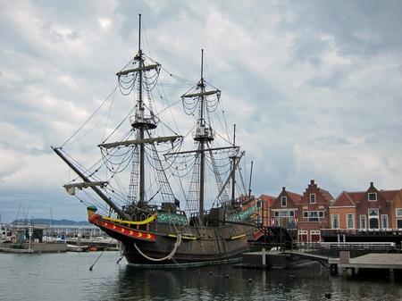 ハウステンボス_冬空の帆船デ・リーフデ