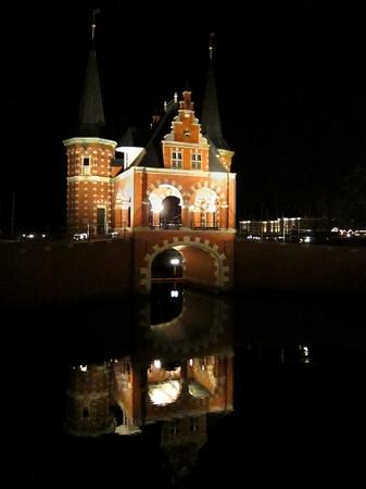 ハウステンボス_夜のウォーターゲート「スネーク」