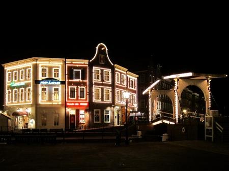 ハウステンボス_夜のアムステルフェーンとスワン橋