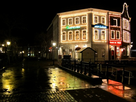 ハウステンボス_雨の夜のレンブラント通り
