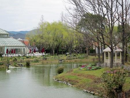 ハウステンボス_早春の湖畔