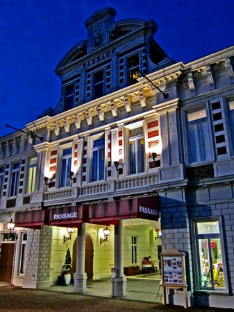 ハウステンボス_ビネンスタッドの夜の街角(HDR風)