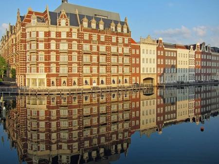 ハウステンボス_運河に映るホテルヨーロッパ