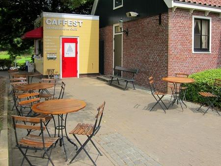 ハウステンボス_花畑のカフェ「CAFFEST」