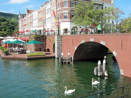 ハウステンボス_シンゲル橋と白鳥
