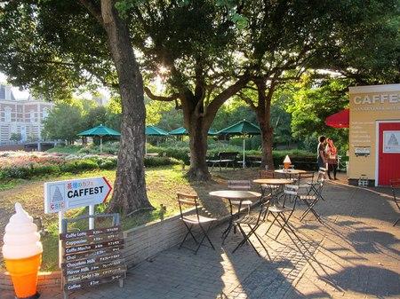 ハウステンボス_花畑のカフェ 夕刻の風景