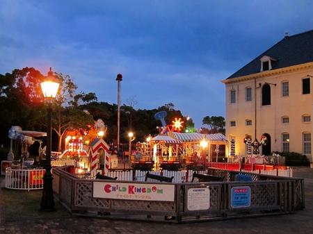 ハウステンボス_夕暮れの遊園地