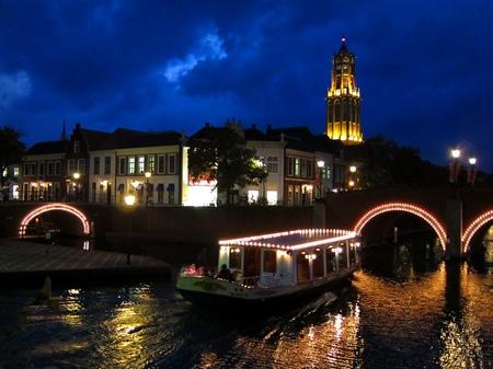 ハウステンボス_ニュースタッドの運河テラスから見る夜景
