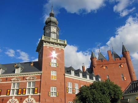 ハウステンボス_ナイアンローデ城を見上げて