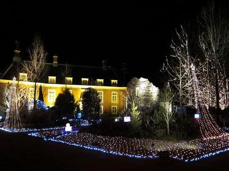 ハウステンボス_夜のパレス前庭