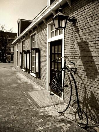 ハウステンボス_街角の自転車(モノトーン)
