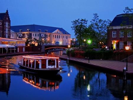 ハウステンボス_ジョーカー橋から眺める運河の夕景